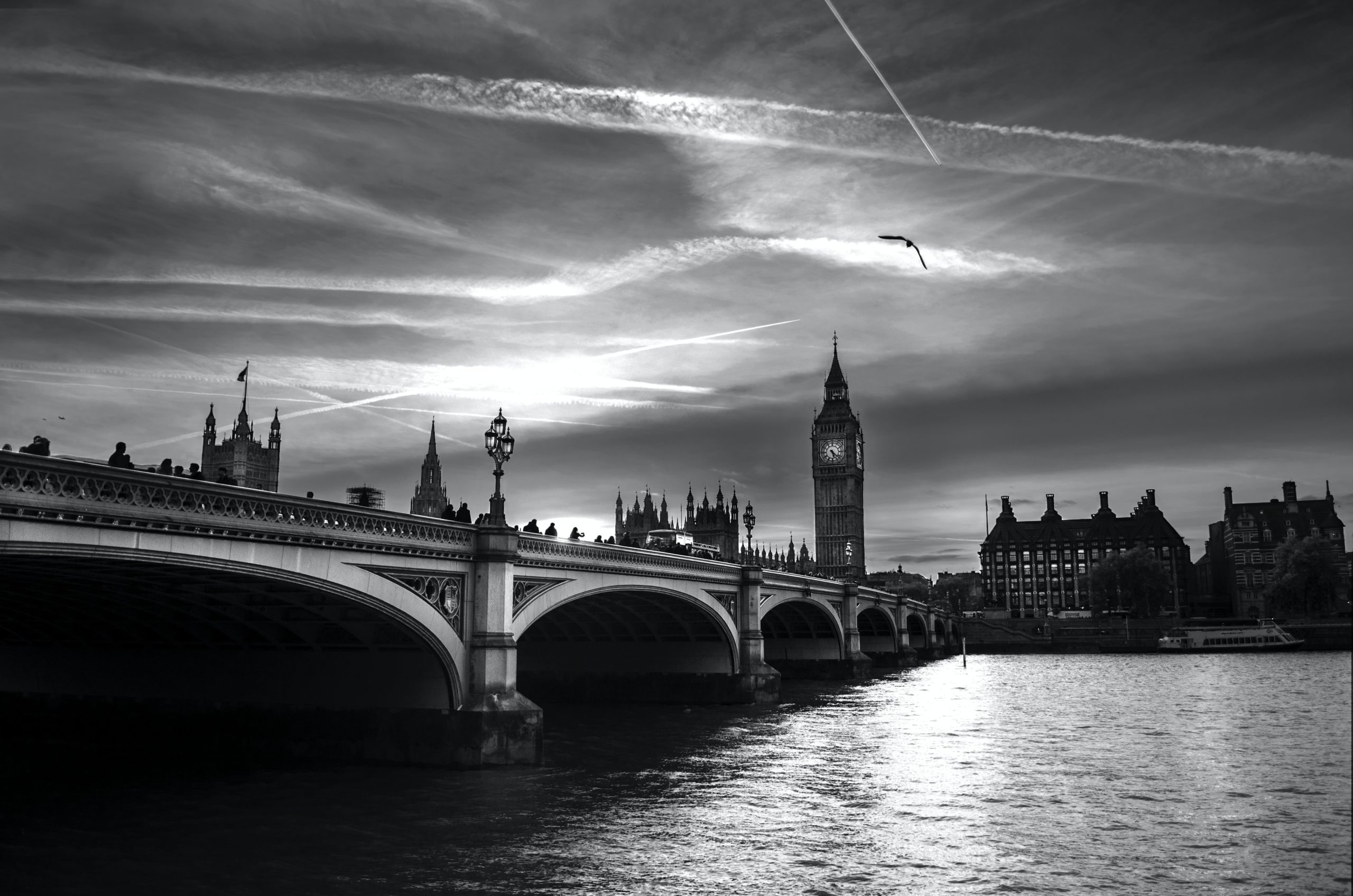 Black and white image of the bridge of Wesminster and Big Ben.
